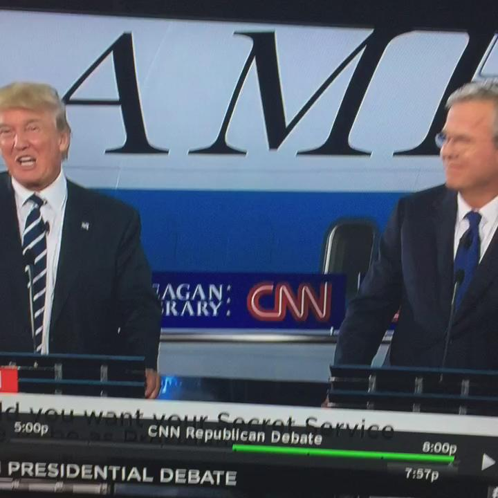 a) This is the first high five Jeb has ever been offered b) he's been practicing for this  c) he knows he nailed it http://t.co/KKBsSqRkPf