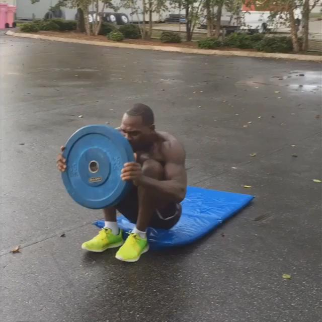 Plated Sit-up Stand Ups Are Killer For The Abs, Try It. Follow Me On Instagram: TheOneBrunson for More Workouts