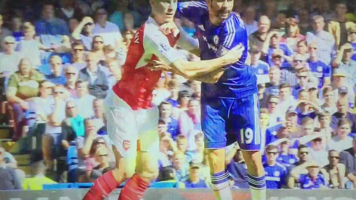 So this is where Gabriel's scratches came from. Thug of a player, that Diego Costa. http://t.co/B1BYTXuNx7