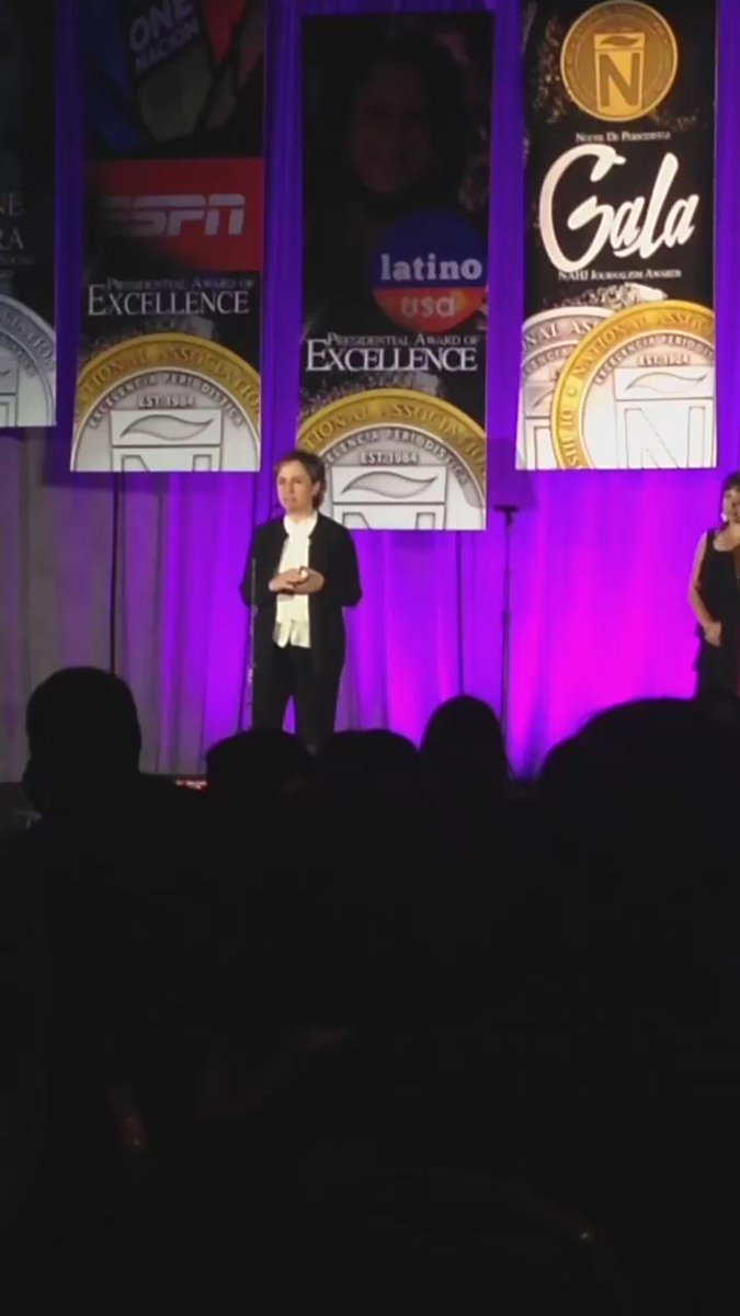 Carmen Aristegui receiving the @NAHJ Presidential Award of Valor at the Excellence in Journalism conference #EIJ15 http://t.co/GseI0YELhg
