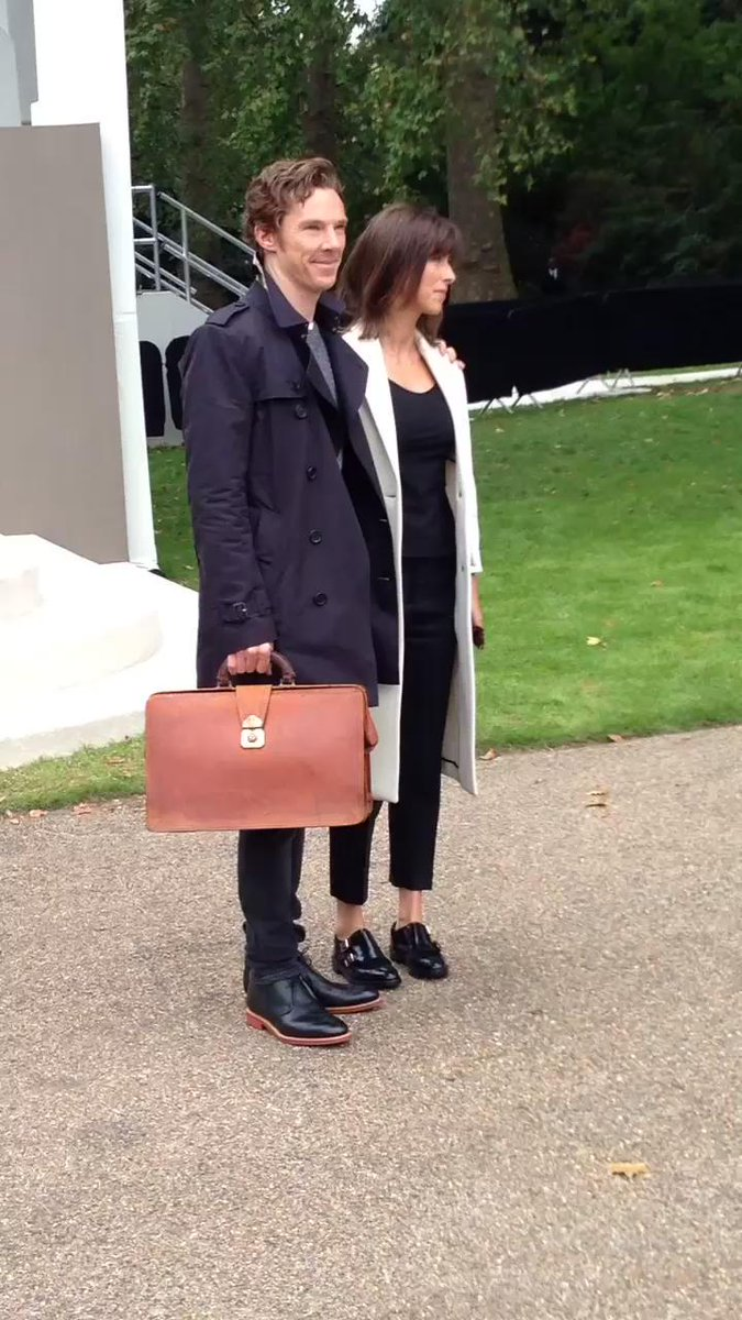 Mr & Mrs Cumberbatch were last to arrive #LFW2015 #BenedictCumberbatch - sadly they didn't have time to chat.