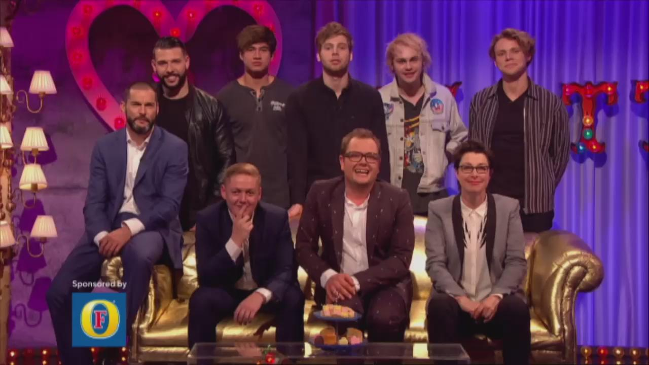 RT @chattyman: OMG! Is this the BEST FRIDAY EVER 😍?!! @wossy @ThomasTurgoose1 @sueperkins @JayTAT2 @fredsirieix1 #chattyman #SU2C http://t.…
