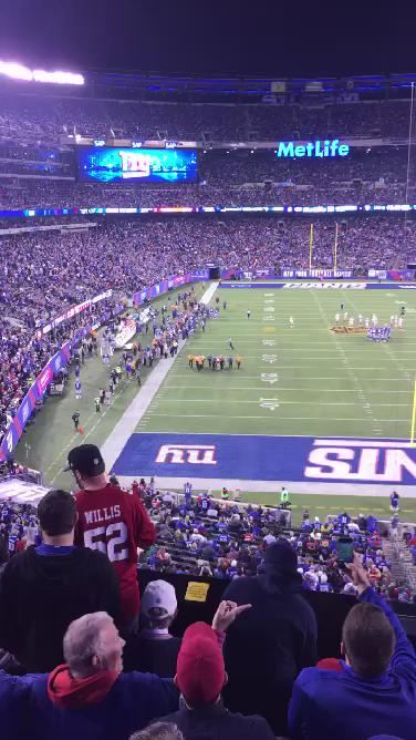 #49er #fan decided to run across the field!! Then tries to fight the cops!! #onlyinnyc #espn #nfl #football #Giants http://t.co/lCJz3RED8a