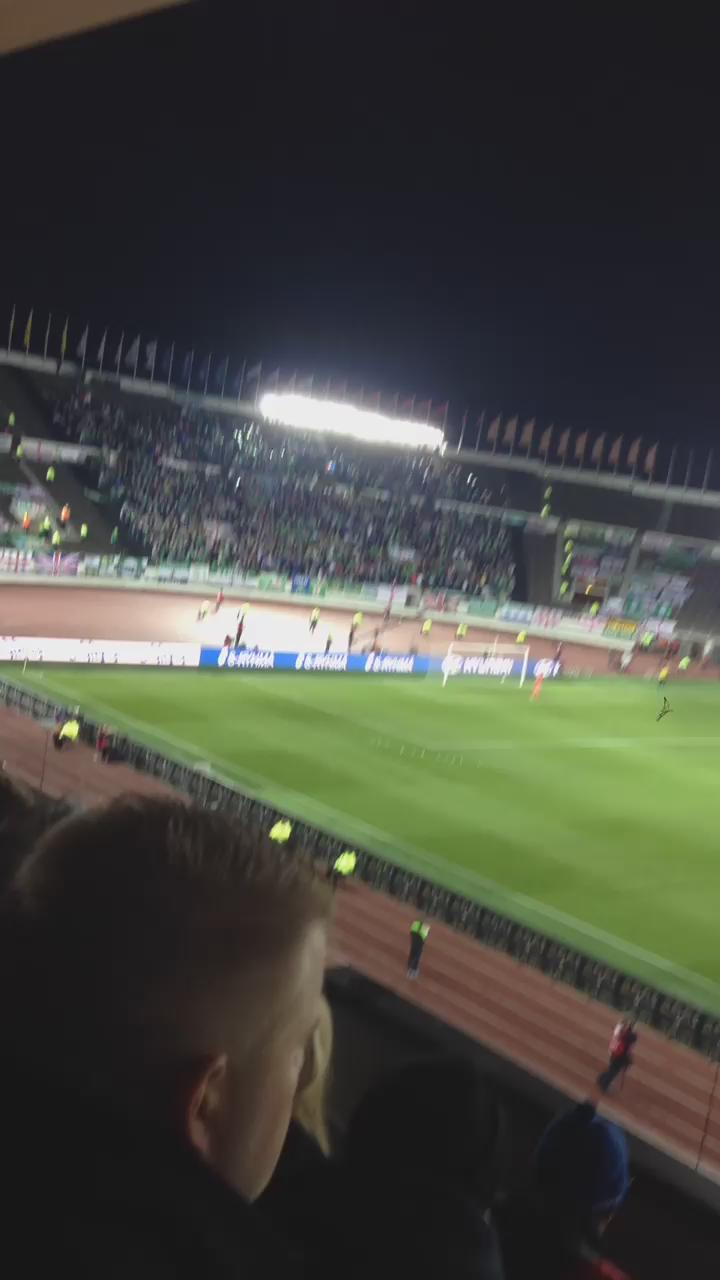 RT @theawayfans: Northern Irish fans singing the George Best song away at Finland.  (Via @jassekoivuniemi) http://t.co/Afenlr9MJS