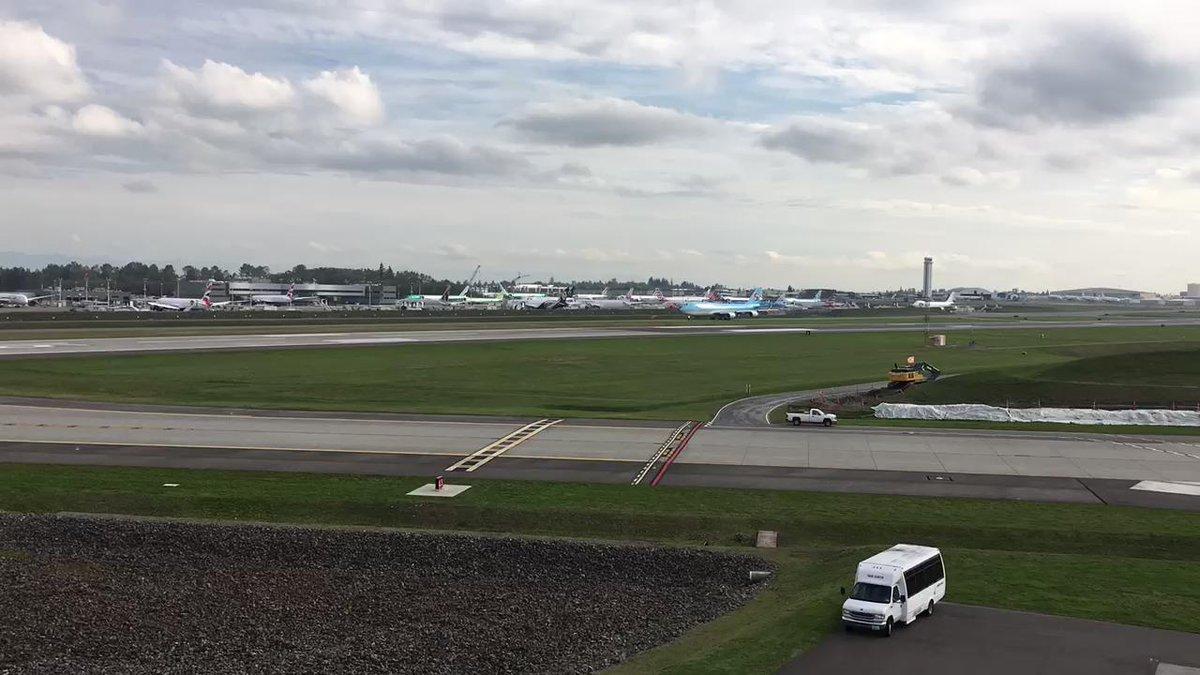 Time lapse taxi test Paine field, WA @KoreanAir_KE 747-8i hl7633 #avgeek https://t.co/xcYn1H9hZQ