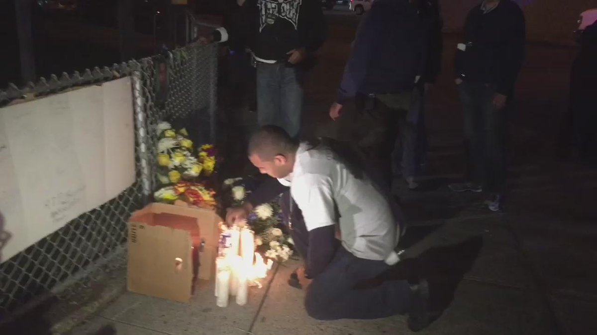 Fellow #NYPD Officers pay respects to fallen PO #RandolphHolder @ #EastHarlem memorial #abc7ny