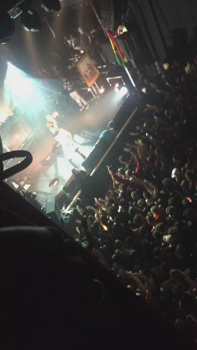 .@Stormzy1 just dropped Know Me From and @KOKOLondon erupted ⛽️⛽️⛽️⛽️⛽️ #LiveInTheFleshTour https://t.co/BrCpXEsR9I