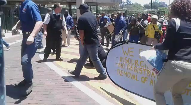 MT @sthembilecel: #OccupyUJ security targeting people with phones. Threatening to beat or are actually beating them https://t.co/adhJqPXjuq