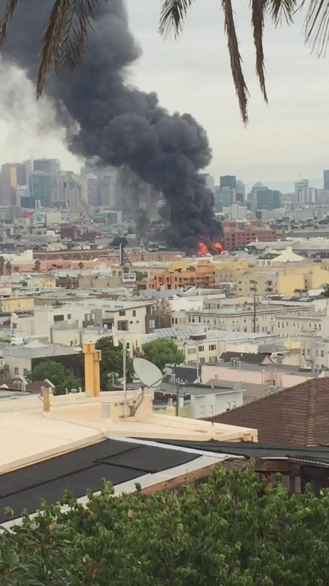 Big fire in SF mission hope no one is hurt - around mission/14th https://t.co/vMpN2c4t8R