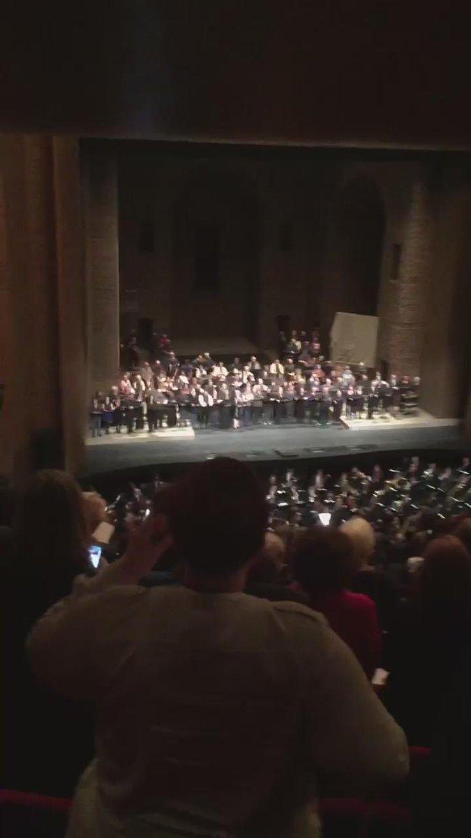 Le @MetOpera a interprété une vibrante marseillaise aujourd'hui à New-York (V/ @unamplified) https://t.co/3zgr8gahVc