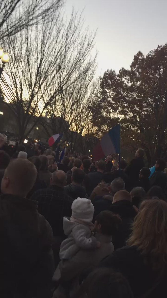 French national anthem in front of the White House https://t.co/X1CWx6FCGy