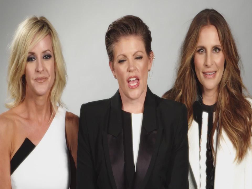 No telling what'll happen when Dixie Chicks return to the U.S. for the #DCXMMXVI World Tour! https://t.co/X65bu4R6Y1 https://t.co/rTk5gZBFMt