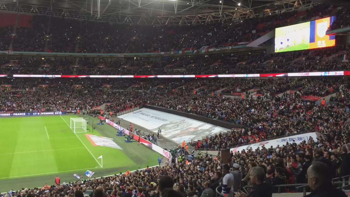 Wembley sings 'La Marseillaise' (until my phone ran out of storage space) @AFP https://t.co/qtJBWlV4LC