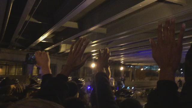 High way shut Down!!! Police being violent! https://t.co/JPNTBAOTn2