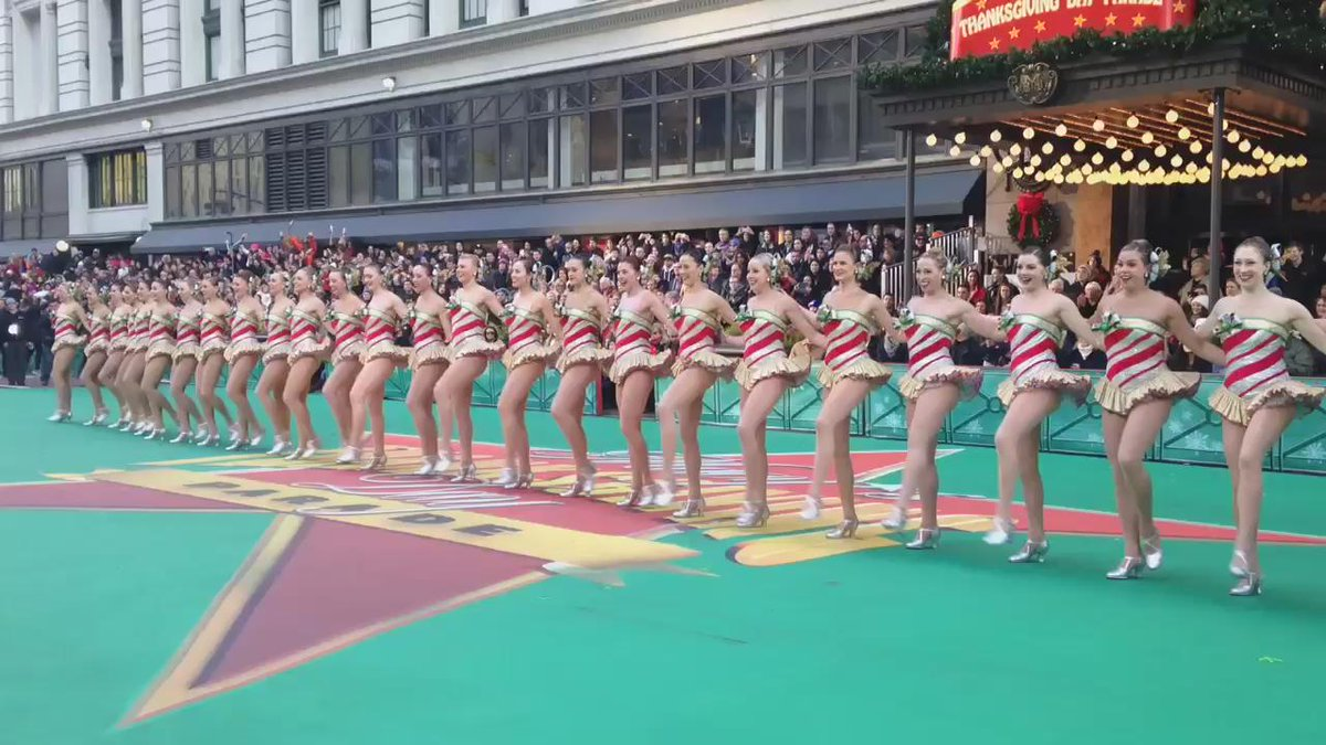 Let's kick this #MacysParade up a notch! @Rockettes