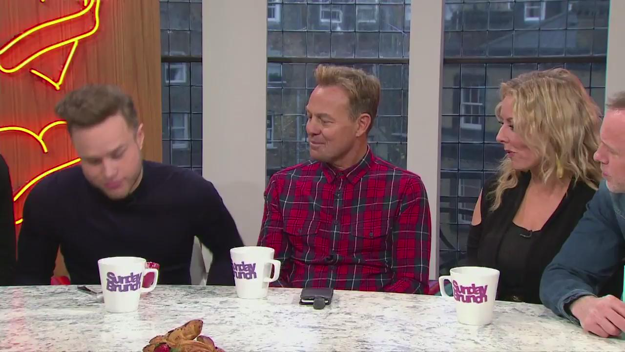 RT @SundayBrunchC4: Oooo, @ollyofficial & @carolvorders BOTH won 'Rear of the Year 2014' looks like @JDonOfficial is closing in though.. ht…