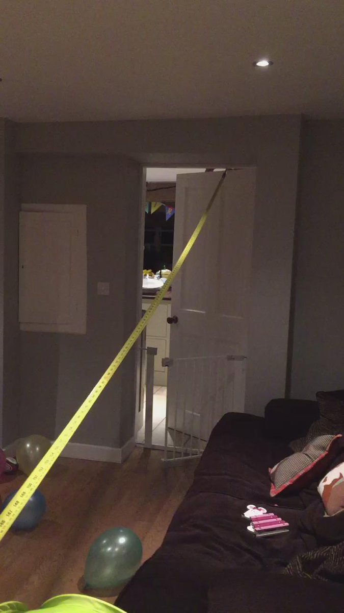 Productive evening at home with @benyoungs09 , need a longer tape measure - world records to be broken!! https://t.co/0Zwjx1tgVR
