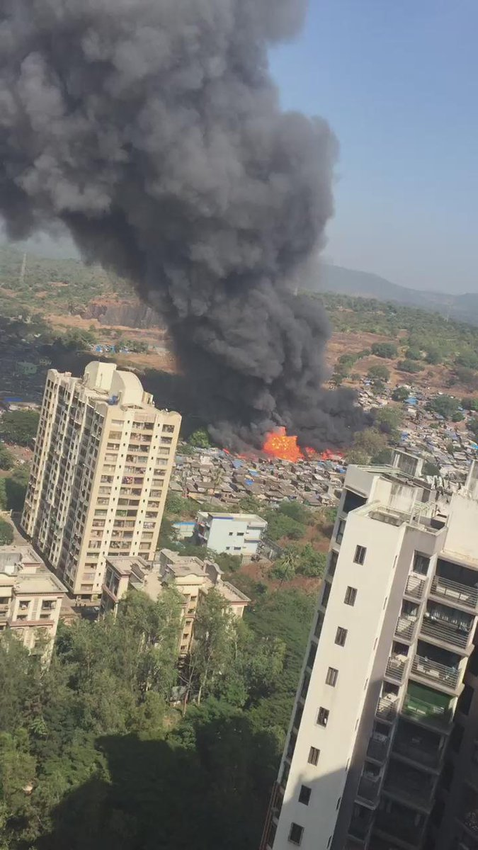 Heard atleast 30 explosions (probably gas cylinders) in this fire in the slums at damu nagar, Kandivali E. SCARY! https://t.co/C3rOh1pURN
