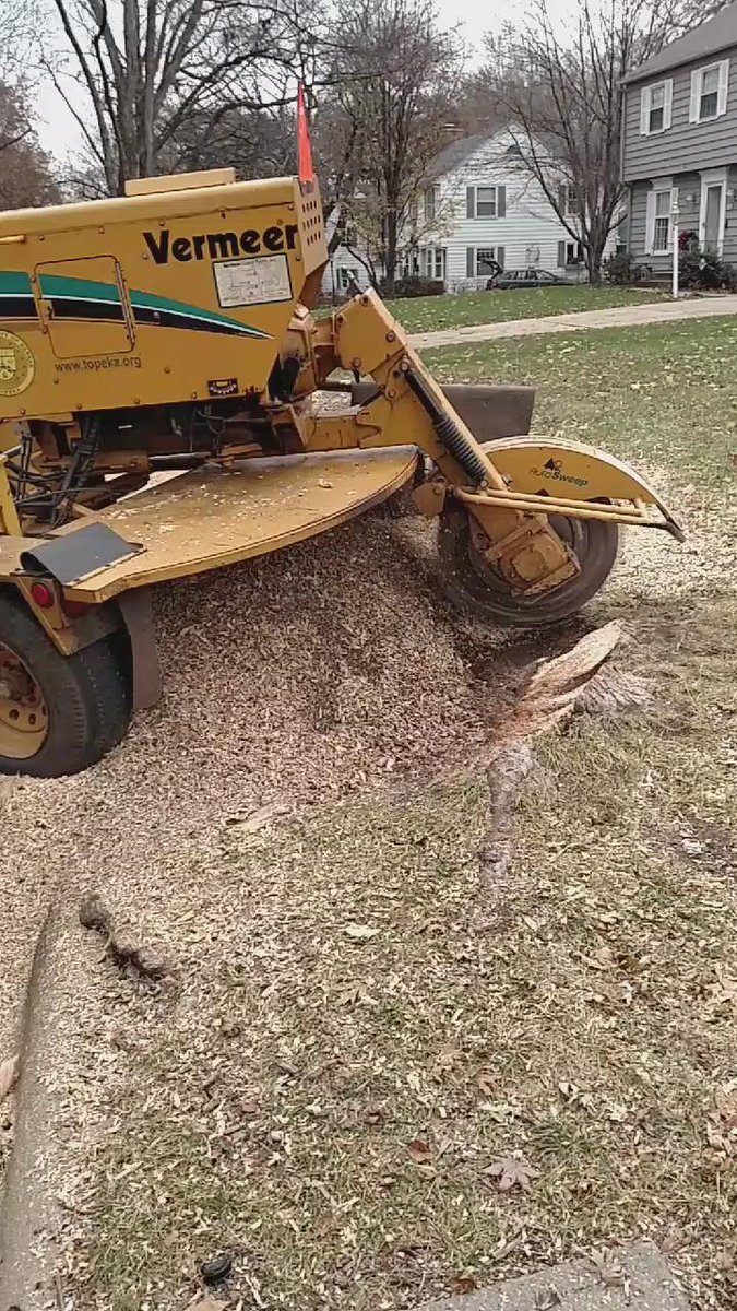 Sweet! Sterbenz got footage of me grinding the stump! #epic #rookie #topekatweetalong https://t.co/BYAGC1UoZo https://t.co/1DwE2bhyvk