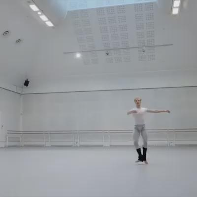 Nice clip of @_Stevenmcrae & @Ianasalenko. Check it out. Filmed by @Andreuspenski. @TheRoyalBallet https://t.co/lDxsEBSQYl