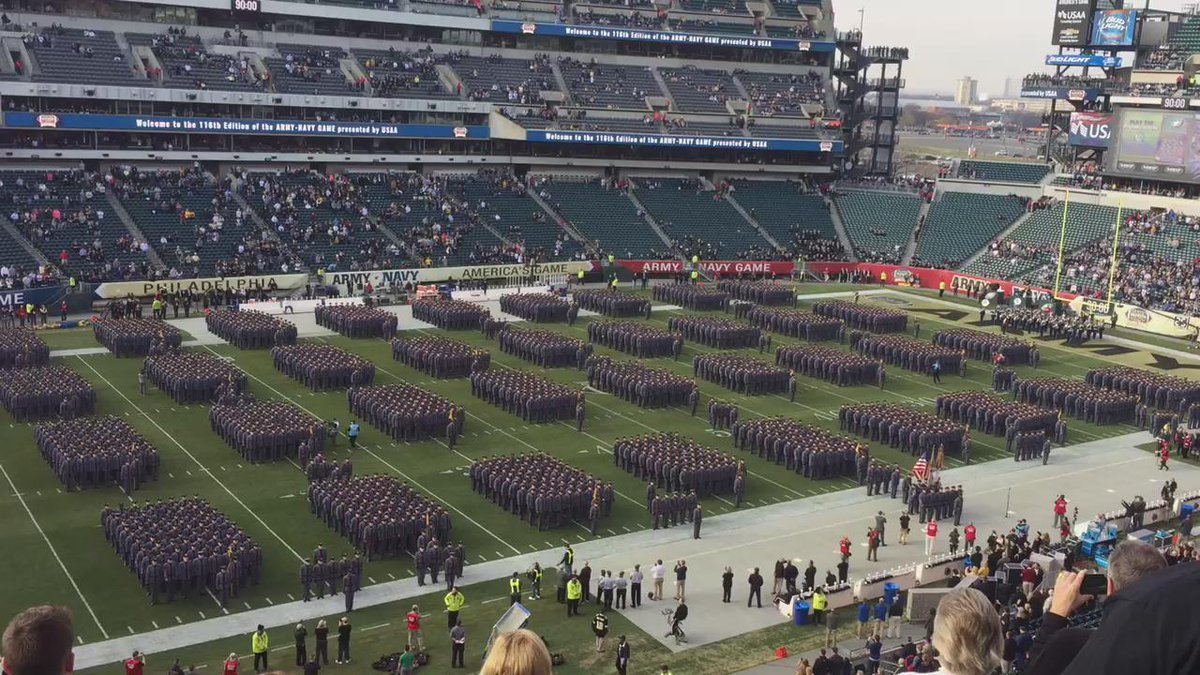 America's Game pageantry: @WestPoint_USMA United States Corps of Cadets leads The Rocket #GoArmy #BeatNavy #ArmyNavy https://t.co/1s4OGHCis9