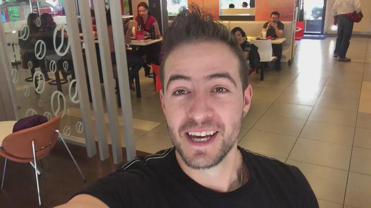Quiero estar con 30 de ustedes @McDonaldsMexico #TeamMacduch #AngryBirdsEnMc vamos a ganar SOLO RT !! https://t.co/0iwndh1Wlr