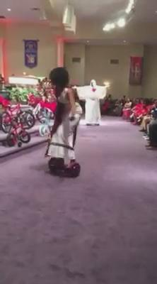 Then the Praise Team starts their liturgical dances on the hoverboard. What church is this!?!? I need to know. Lol https://t.co/cvEgWL0Byw