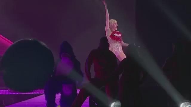 Miley Revolution's photo on #MILEYONTWITTER
