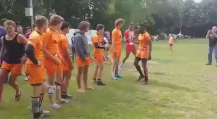 """""""@robbielouwDutch rugby team with the world's greatest handshakes... https://t.co/xaOfjl0U08"""""""