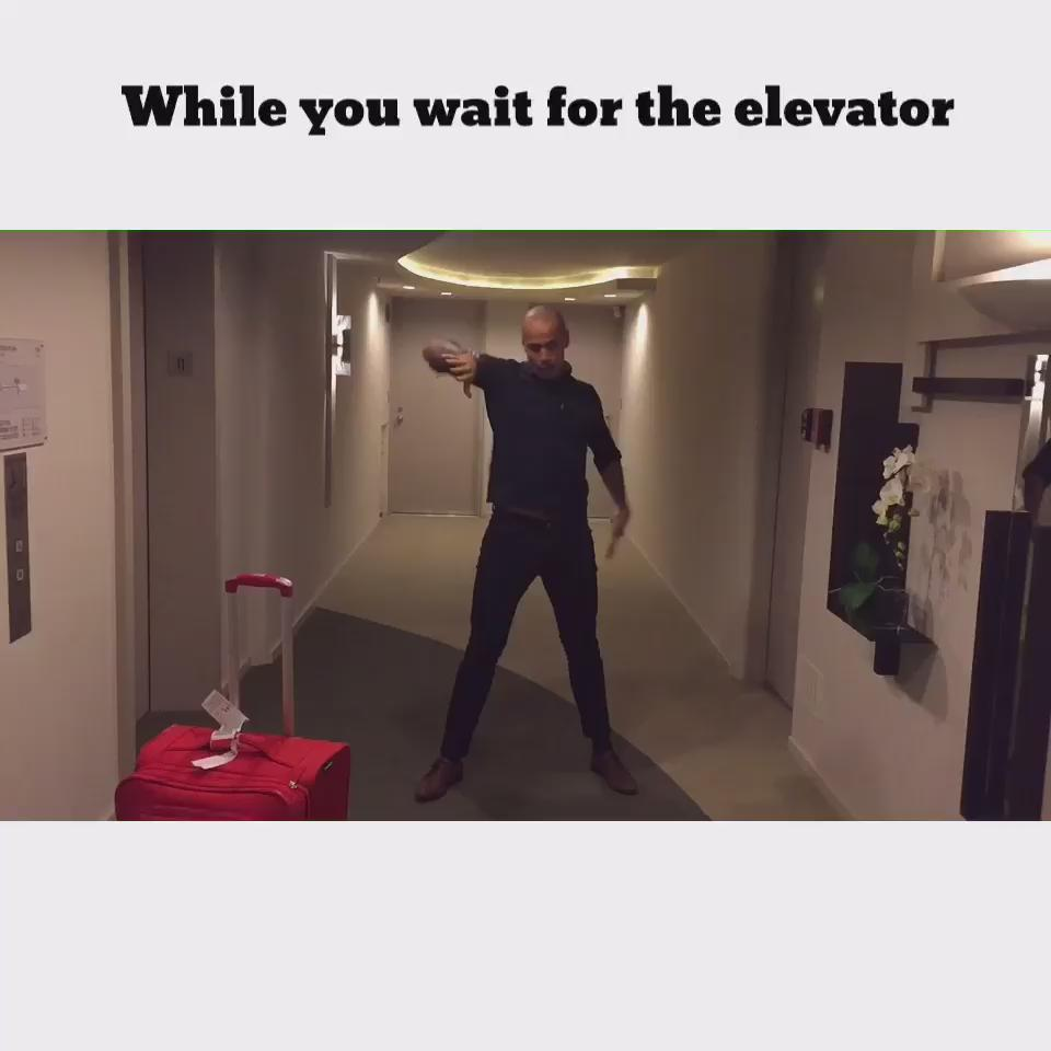 When you are waiting for the elevator and you have nothing else to do https://t.co/qfwSoFhUur