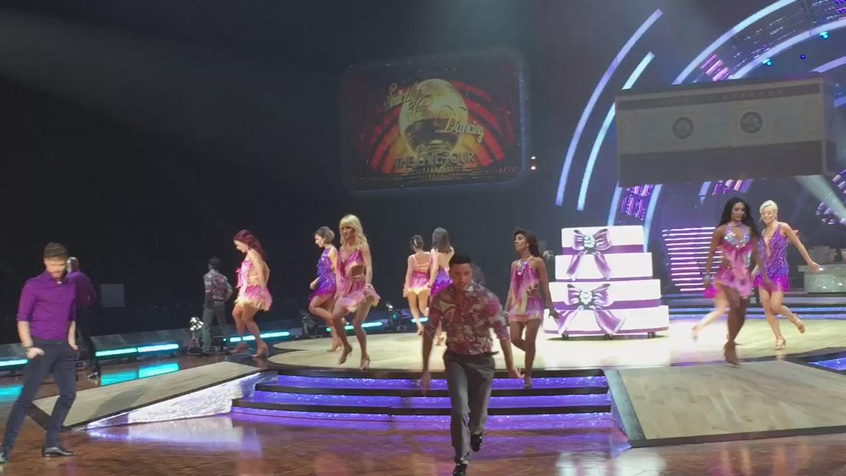 #strictlytour #spoiler @pernicegiovann1 @JayMcGuiness @JManrara @helen_george @SCD_Live_Tour https://t.co/ayrywozrfM