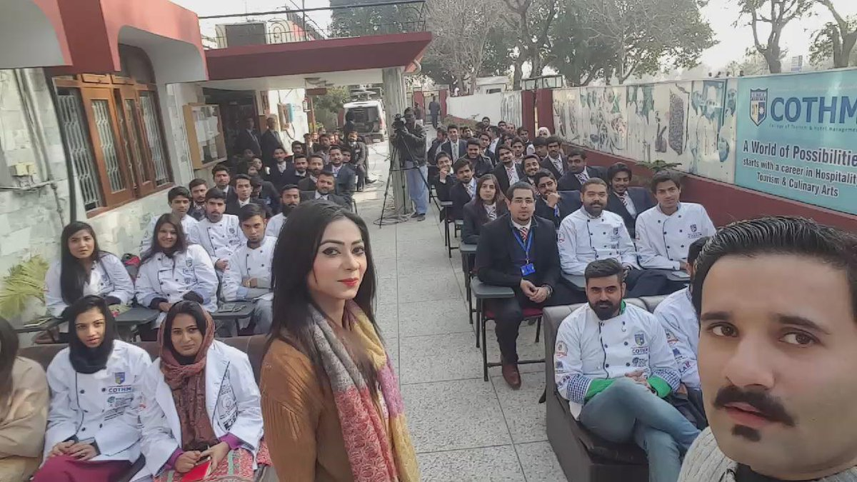 #selfienara #sochfactory #pakistan #youthofpakistan #kay2tv #energy @kay2tv @Kay2SocialMania @COTHMIslamabad https://t.co/6icksiioqL
