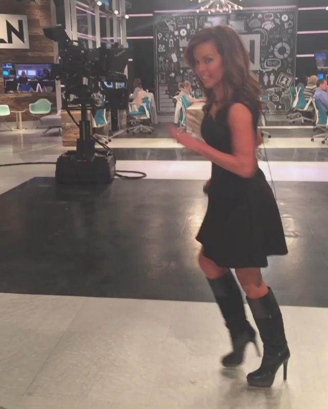 robin meade on twitter normally i wear these boots tucked into jeans but thought they 39 d be. Black Bedroom Furniture Sets. Home Design Ideas
