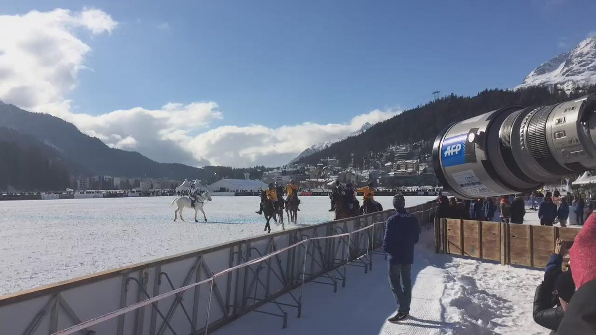#Action @polowcstmoritz @perrierjouet vs @badruttspalace #polo #snow #fast https://t.co/wot53iiM4A