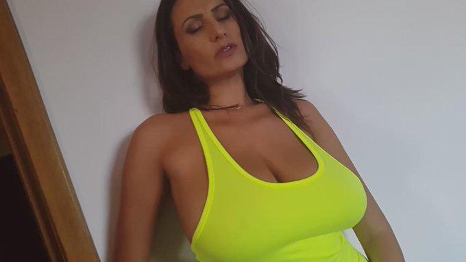 Big booty milf pussy