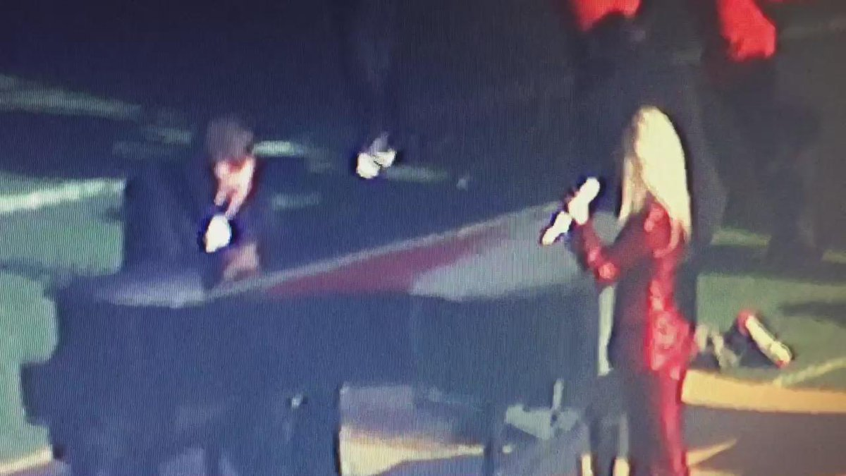 There's no audio from our sky 7 HD video of (probably) @ladygaga practicing national anthem so I am narrating for u https://t.co/dWCH4WGlNO
