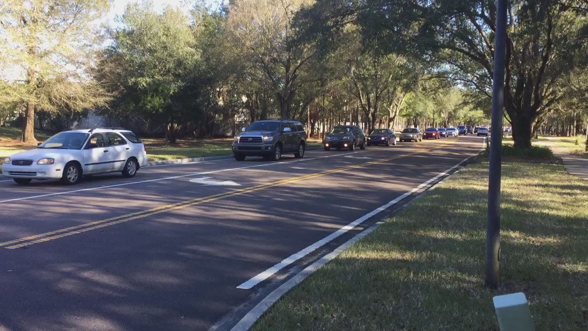 Cars slowly creeping by. We've heard from many of you stuck in this Oakleaf construction traffic for hours. @FCN2go