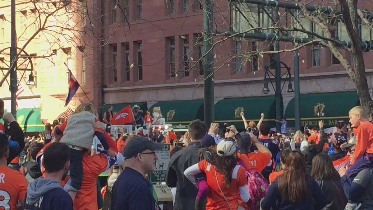 The crowd is going wild! BroncosParade