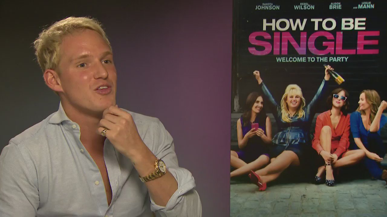 Have you seen my NEW VLOG yet?! I chat to the cast of #HowToBeSingle including @RebelWilson: https://t.co/za9WRN28aU https://t.co/Rk6eMZoQEP
