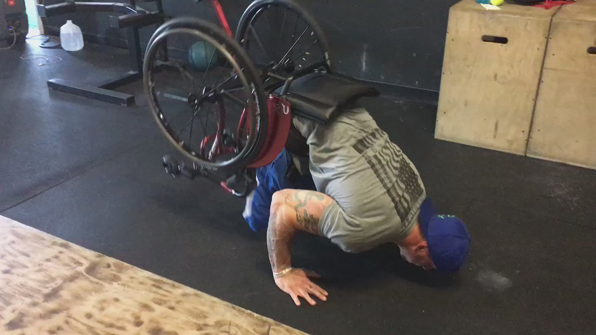 Think push-ups are hard enough? Check out what this guy can do, tonight on KHOU11 News at 10:00! motivation @KHOU