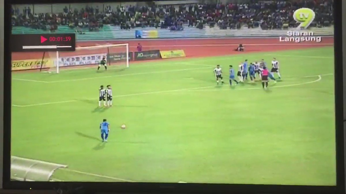This player from Malaysia just scored the best free kick you'll see all year http://bit.ly/1QjHjxQ