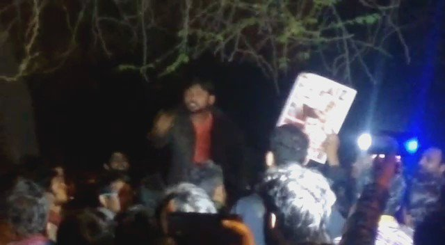 Here @BDUTT this is a video from the 9th event. You can see him giving a speech to the entire group @rahulkanwal https://t.co/cpj7tBG2ST