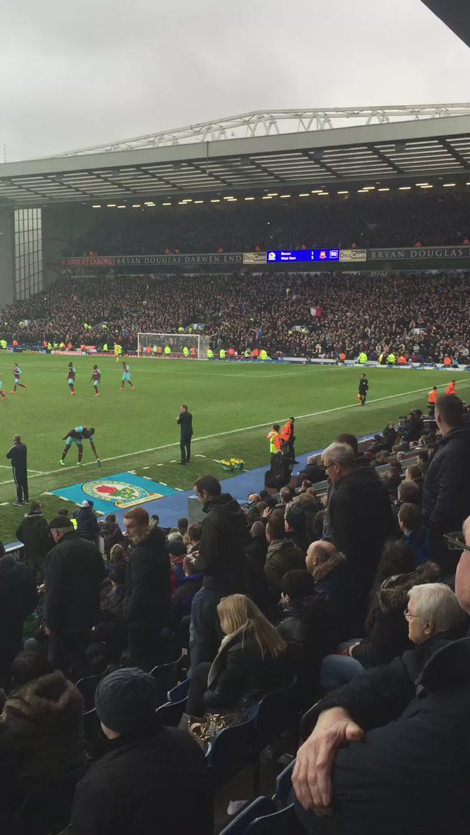 I had to sit in with the Blackburn fans and listen to the Payet song ..  Love seeing the Blackburn fans walking out https://t.co/vqY8dadAqV