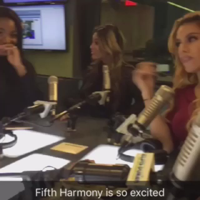 Thank you again to the beautiful ladies of @FifthHarmony for visiting us today! ❤️ @ElvisDuranShow #5HonElvis https://t.co/EwdVgeDVJu