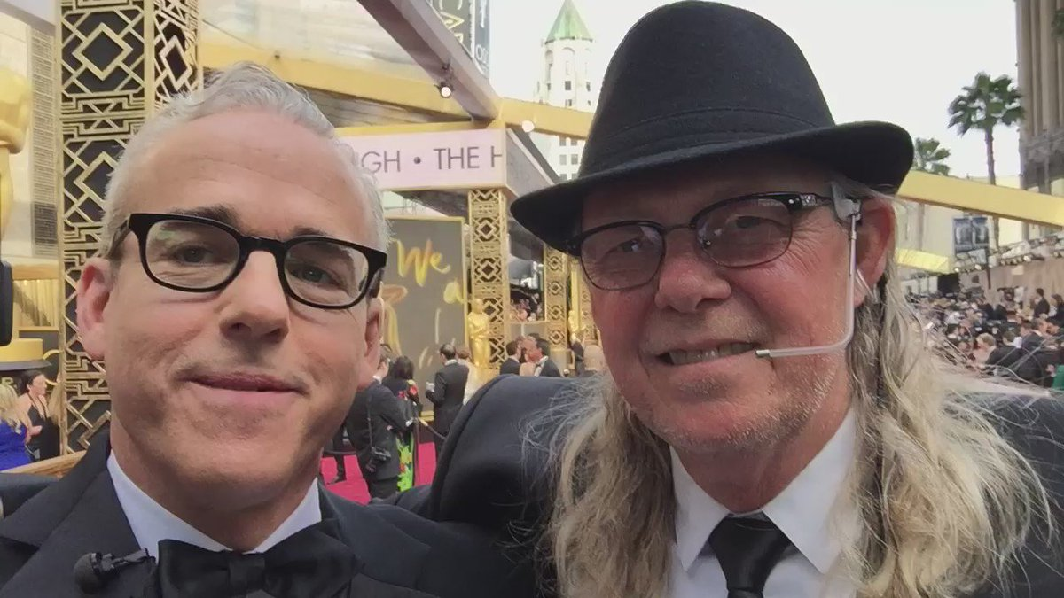 With #Oscars vet John Stewart again. Kristen Stewart's dad and head stage manager #Oscars red carpet @ABCNetwork https://t.co/VnqpoNQNLp