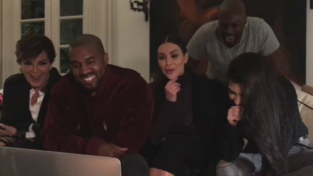 Our reaction watching the CRAZIEST clip from #thebrothersgrimsby movie! I can't wait for you guys to see it! 😹😹😹 https://t.co/pGo3WKsQda