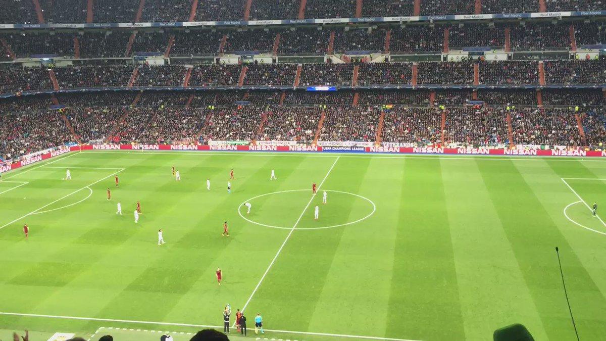 La ovación del Bernabéu a sir Francesco Totti. Pelos de punta. https://t.co/PTNCfTNoJR