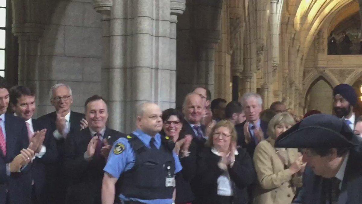 Heart wrenching.  Pm tears up as @Mauril_Belanger passes #qp #cdnpoli #hw https://t.co/6TYV9zK8mz