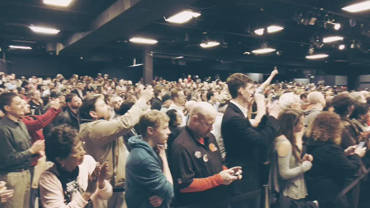 Awesome welcome at @tedcruz rally in Columbus, OH. #Cruz2016 #OhioPrimary https://t.co/C6hi7lqyos
