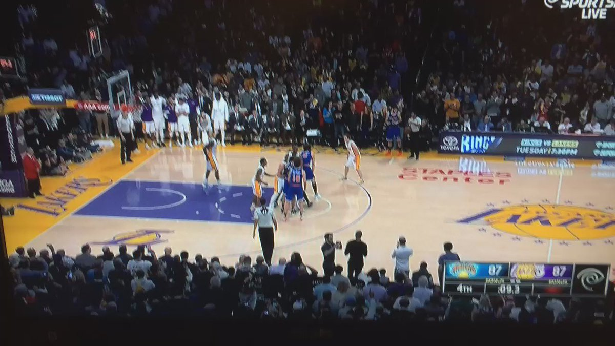 Knicks beat Lakers on the most broken game-winning play of all time